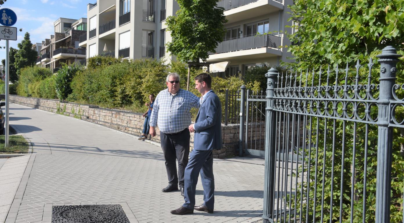 Landtagsabgeordneter Fabian Schrumpf (rechts) Ratsherr Guntmar Kipphardt